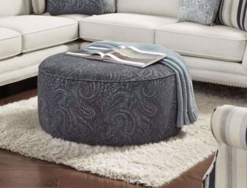 Picture of SWEATER BONE COCKTAIL OTTOMAN
