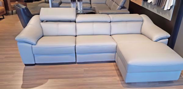 Picture of EMOZIONE 3-PC. MOTION SECTIONAL