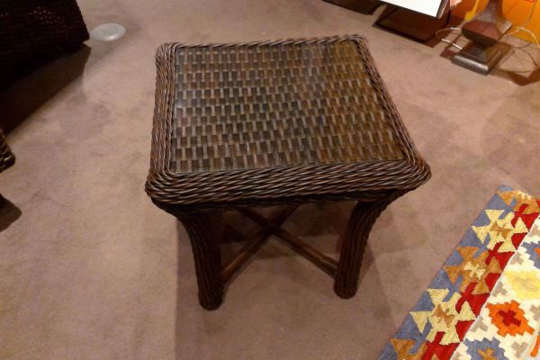 Picture of LAUREL SQUARE END TABLE