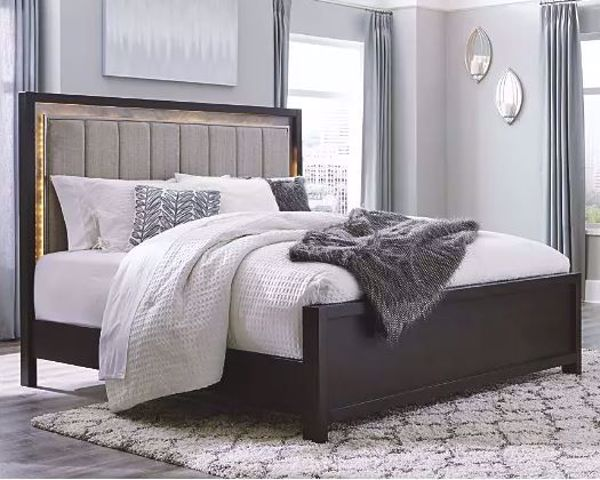 Picture of MARETTO KING UPHOLSTERED PANEL BED