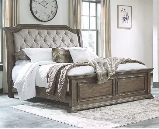Picture of WYNDAHL KING UPHOLSTERED BED