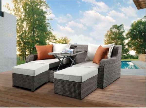 Picture of SALENA SECTIONAL & 2 OTTOMANS